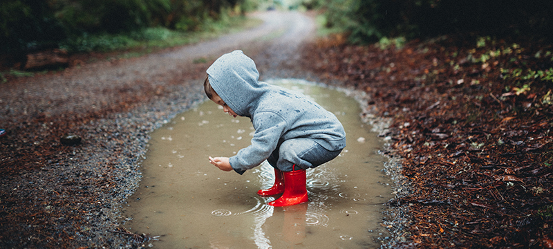 kids-playing-in-mud-4